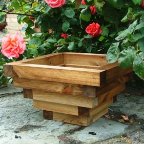 Oscar-Garden-Planter-Brown