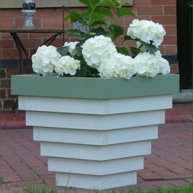 bloxham-wooden-garden-planter3